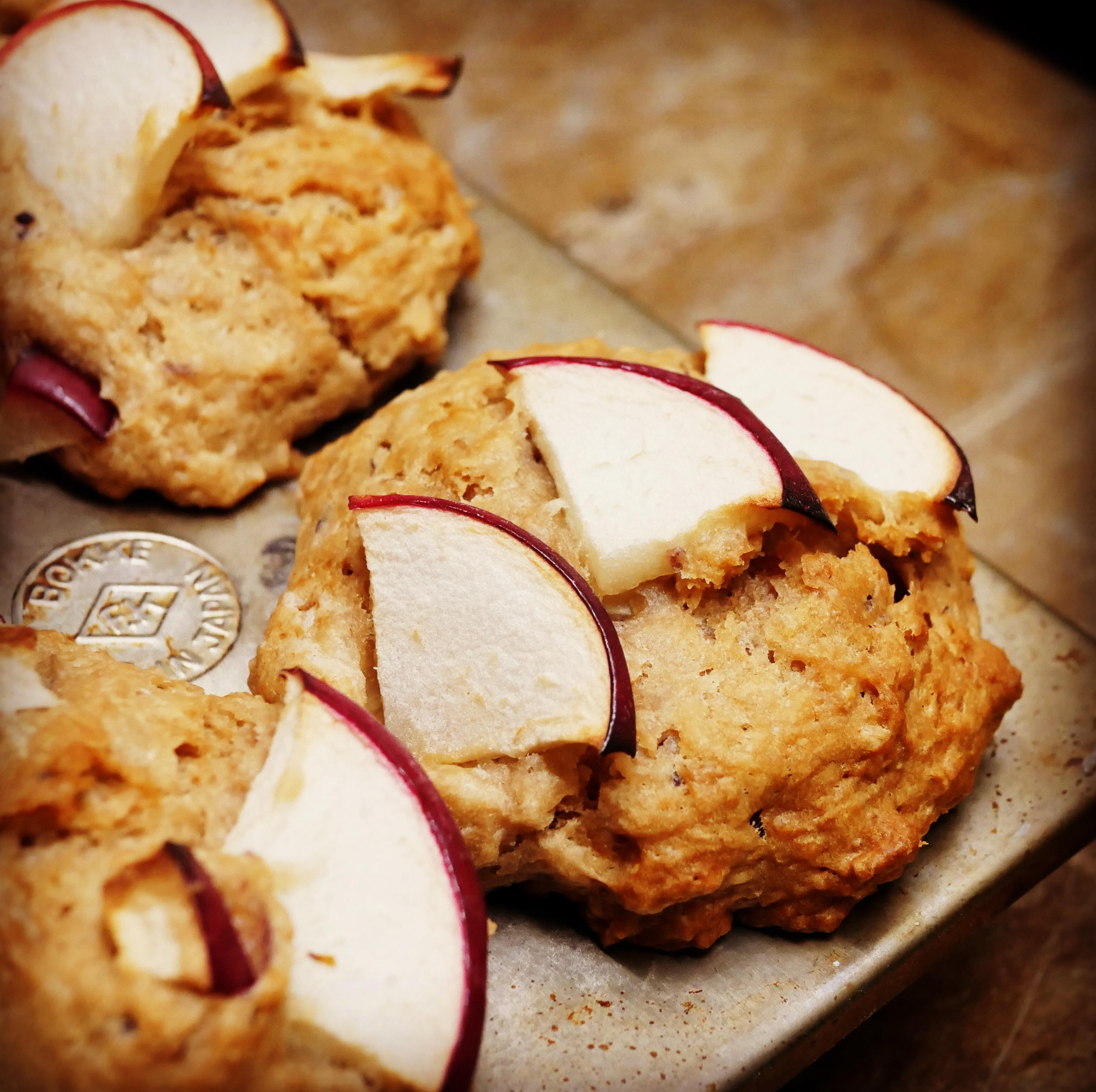 vegan-apple-muffin
