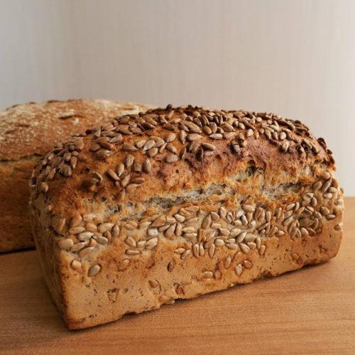 ライ麦50%のパン「ひまわりのタネ」